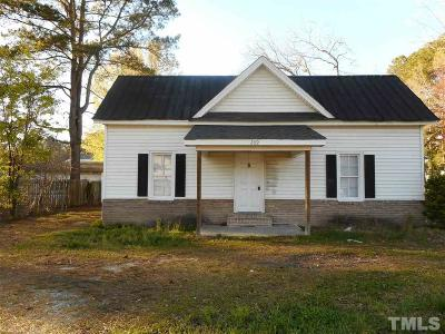 Johnston County Single Family Home For Sale: 209 Church Street South
