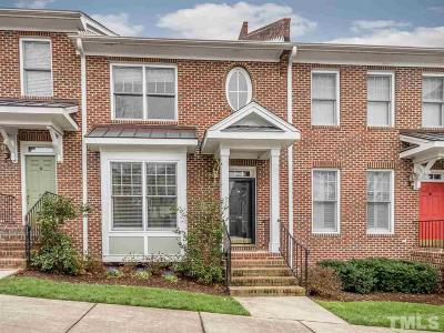 Chapel Hill Condo For Sale: 916 Edgewater Circle #916