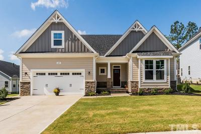 Holly Springs Single Family Home For Sale: 224 Logans Manor Drive