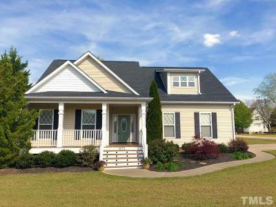 Fuquay Varina Single Family Home For Sale: 825 Nakina Drive