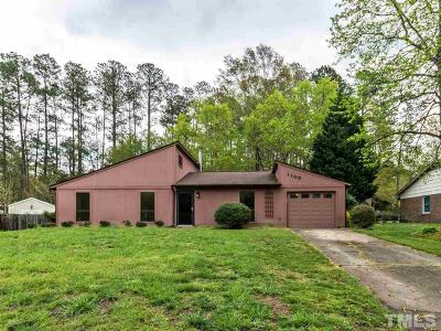 Cary Single Family Home For Sale: 1105 Broadford Drive