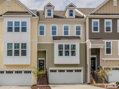 Apex Townhouse For Sale: 703 Edgewater Ridge Court