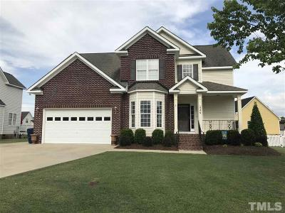 Smithfield Single Family Home For Sale: 126 Creekwood Circle