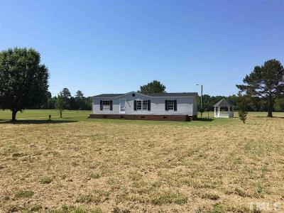 Harnett County Single Family Home Contingent: 5602 Titan Roberts Road