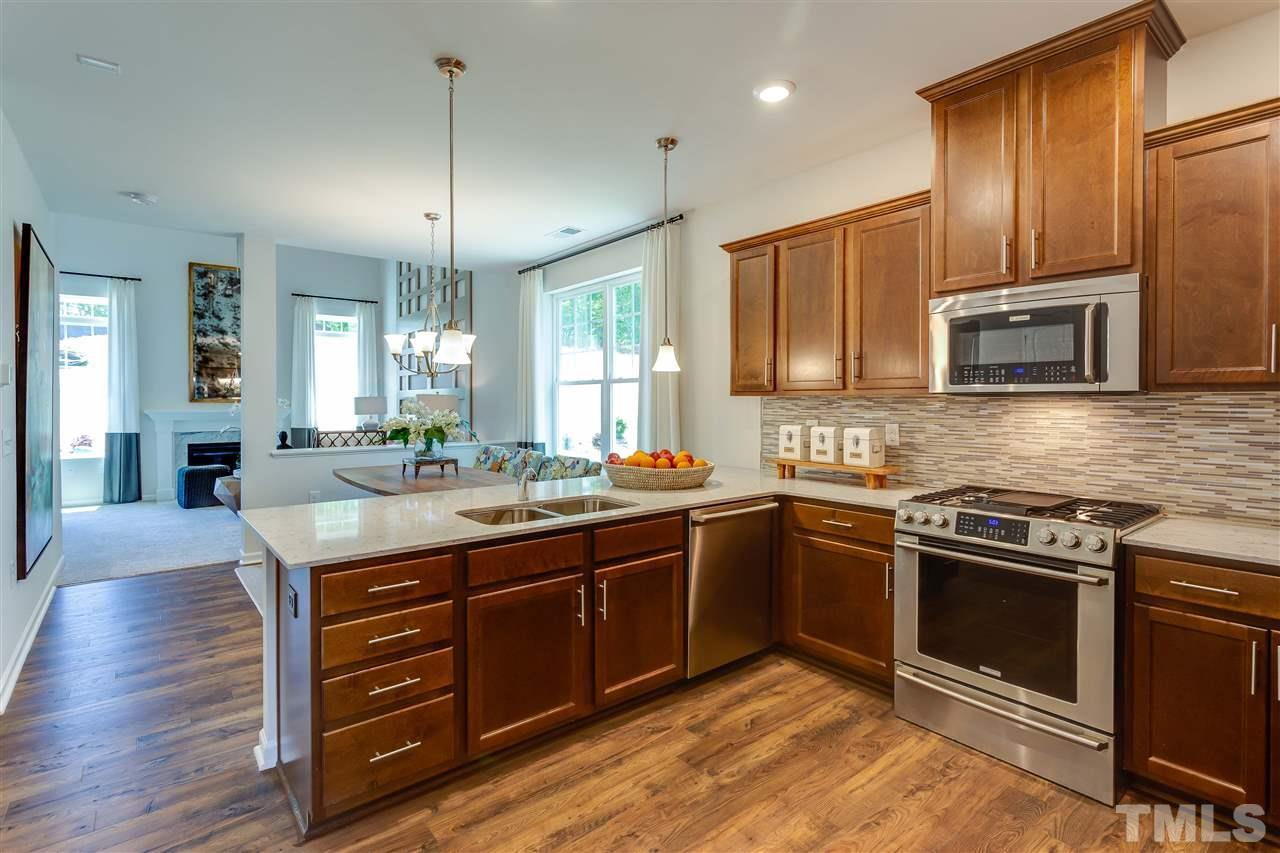 3 bed / 2 full, 1 partial baths Townhouse in Hillsborough for $286,430