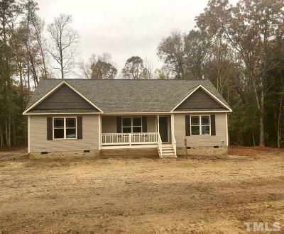 Kenly Single Family Home Contingent: 39 Blue Heron Court