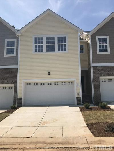 Holly Springs Townhouse For Sale: 253 Gingko Creek Drive