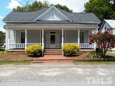 Harnett County Single Family Home For Sale: 106 W Ivey Street