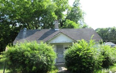 Single Family Home For Sale: 502 E Winder Street