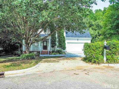 Cary Single Family Home For Sale: 105 La Quinta Court
