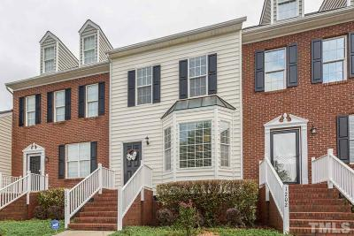 Apex Townhouse Pending: 1204 Nottinghill Walk