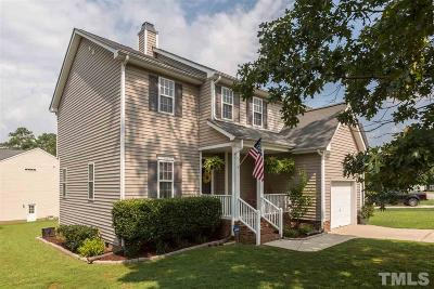 Braxton Village Single Family Home For Sale: 101 Holly Thorn Trace