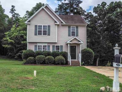Holly Springs Single Family Home For Sale: 200 Braxberry Way