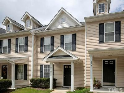 Knightdale Townhouse Contingent: 910 Savin Landing