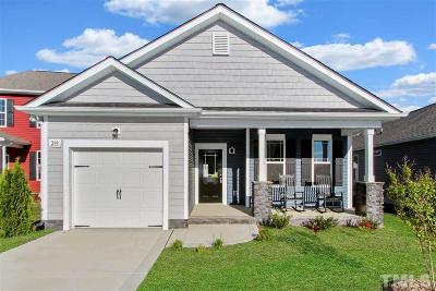 Smithfield Single Family Home For Sale: 293 Bella Square