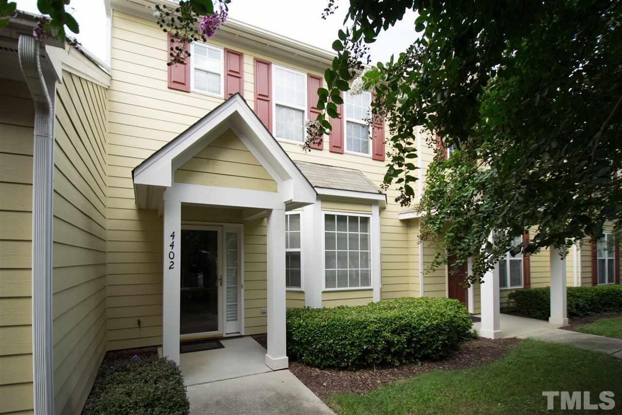 3 bed / 2 full, 1 partial baths Townhouse in Raleigh for $167,500
