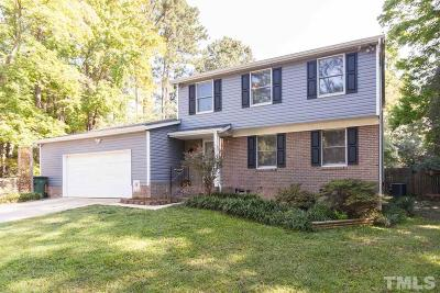 Cary Single Family Home Contingent: 112 Hollowoak Court