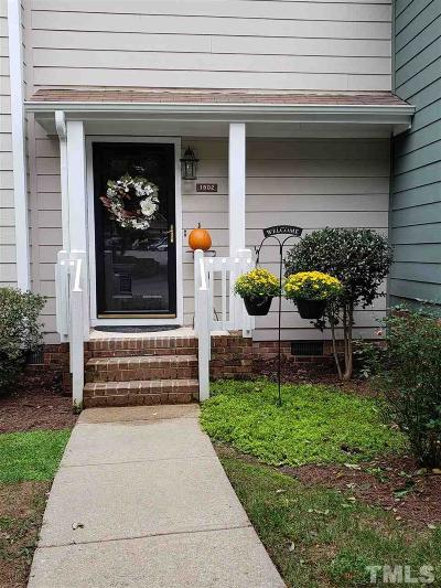 Raleigh Townhouse For Sale: 1502 Edgeside Court
