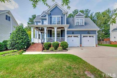 Holly Springs Single Family Home For Sale: 104 Grantwood Drive