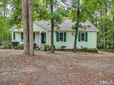 Clayton Single Family Home For Sale: 102 Cardinal Court