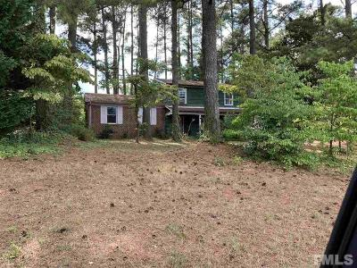 Raleigh Single Family Home For Sale: 5021 Sandlewood Drive