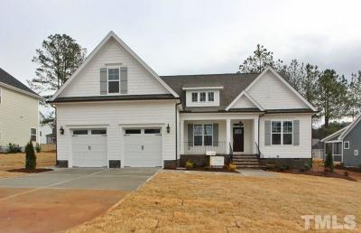 Holly Springs Single Family Home For Sale: 113 Park Bluff Drive
