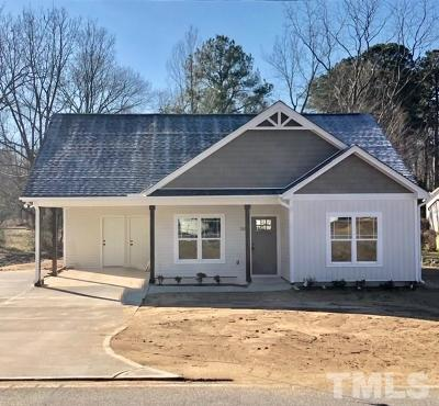 Four Oaks NC Single Family Home For Sale: $169,900