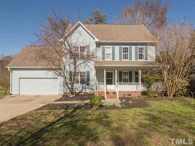 Chapel Hill Single Family Home For Sale: 104 Sudbury Lane