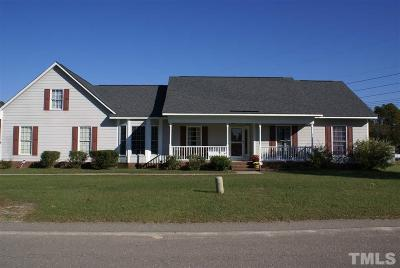 Hope Mills NC Single Family Home For Sale: $175,500