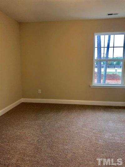 Townhouse Pending: 709 Newlyn Drive #17
