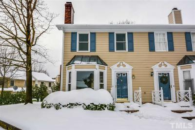 Chapel Hill Townhouse For Sale: 208 Standish Drive