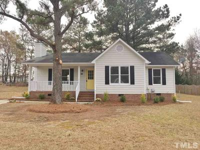 Harnett County Single Family Home Contingent: 612 Circle Drive