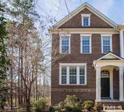 Cary Townhouse Pending: 4063 Yellowfield Way