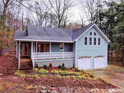 Knightdale Single Family Home Contingent: 304 Cedarwood Drive