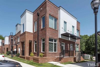 Townhouse Contingent: 242 William Drummond Way