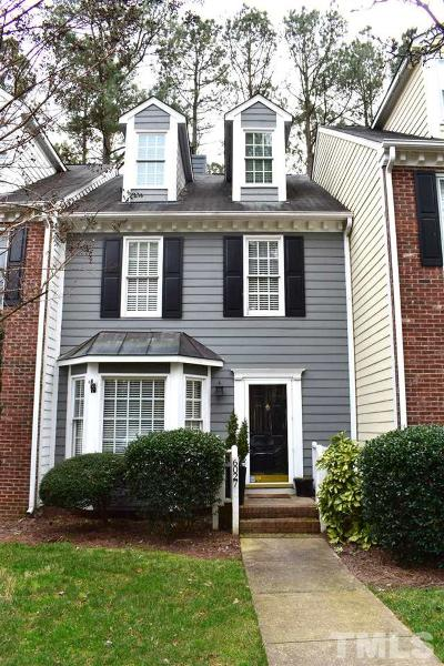 Raleigh Townhouse Pending: 6027 Epping Forest Drive