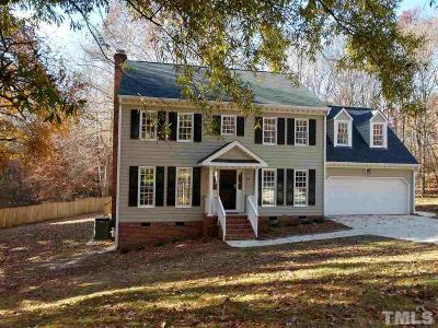 Cary Single Family Home For Sale: 415 King George Loop