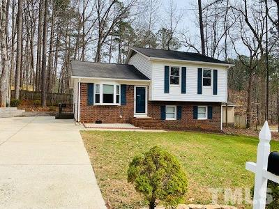 Cary Single Family Home Pending: 100 Cathedral Way