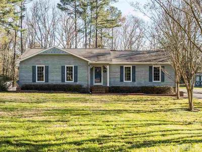 Sanford Single Family Home Contingent: 1001 Bent Pine Circle