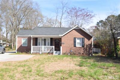 Single Family Home For Sale: 604 S Andrews Avenue
