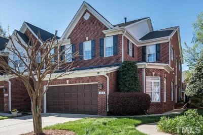 Morrisville Townhouse For Sale: 152 Grande Drive