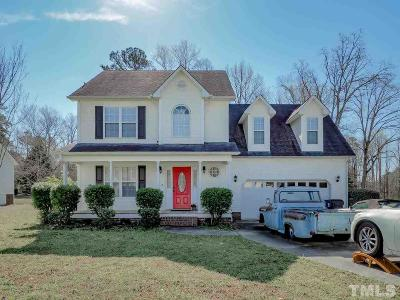 Garner Single Family Home For Sale: 113 Leach Drive