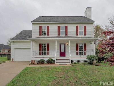 Holly Springs Single Family Home For Sale: 101 Uphill Court
