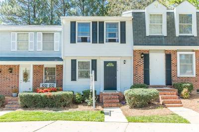 Raleigh Townhouse Contingent: 7719 Kingsberry Court