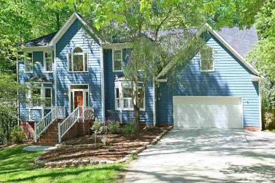 Chapel Hill Single Family Home For Sale: 8327 Loch Laven Lane