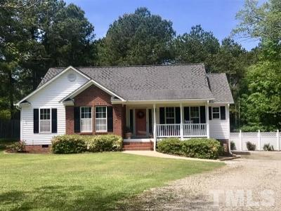Garner Single Family Home For Sale: 111 Lakeview Court