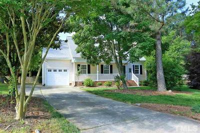 Holly Springs Single Family Home For Sale: 404 St John Court