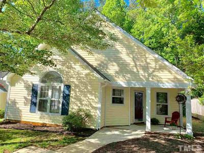 Cary Single Family Home For Sale: 102 Chula Vista Court