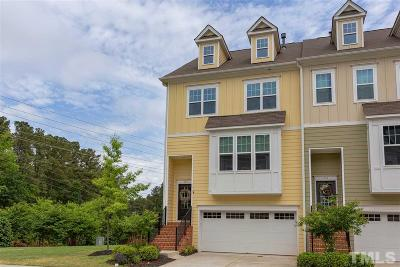 Apex Townhouse For Sale: 726 Edgewater Ridge Court