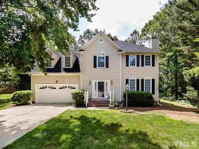 Cary Single Family Home For Sale: 107 Laurel Hollow Place